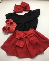 Fiyonklu Kırmızı Etek Siyah Bluz Fiyonklu Bağlamalı Saç Aksesuarı