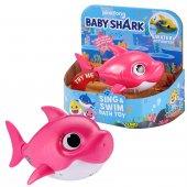Bah03000 Baby Shark Şarkı Söyleyen Ve Yüzen...