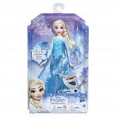 Hasbro Disney Frozen Şarkı Söyleyen Elsa Bebek...