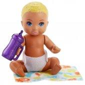 Barbie Mini Bebek Bakıcısı Seti