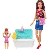 Barbie Bebek Bakıcısı Barbie Bebekler Fhy89...