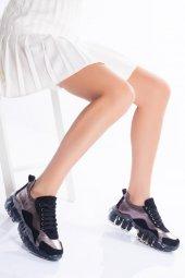şeffaf Taban Siyah Kadın Sneaker
