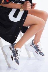 Taş Detaylı Kadın Sneaker