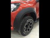 Toyota Hilux Çamurluk Dodik Civatalı