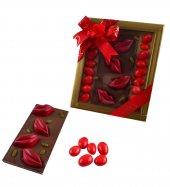 Liva Kırmızı Renk Dudaklı Tablet Drajeli Sevgililer Günü Çikolatası