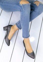 Sever Gri Cilt Desenli Topuklu Ayakkabı