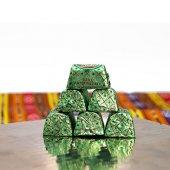 Mabel Baton Fıstıklı Dökme Çikolata 500 Gr