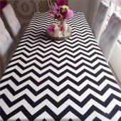 Zeren Home Zigzag Desen Dertsiz Mutfak Masa Örtüsü Siyah-Beyaz 130cm x 160cm-3