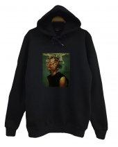 Sigaralı Sanat Baskılı Kapüşonlu Sweatshirt