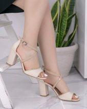 Neomiya Krem Topuklu Ayakkabı