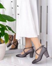 Cileto Platin Cilt Desenli Topuklu Ayakkabı