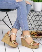 Adayn Gold Dolgu Topuk Sandalet