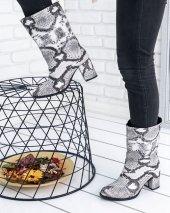 Marcie Beyaz Cilt Yılan Detaylı Çizme