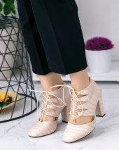 Jocey Krem Cilt Desenli Topuklu Ayakkabı