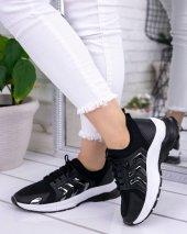 Riani Siyah Cilt Spor Ayakkabı