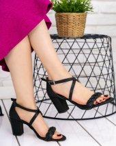 Yonne Siyah Cilt Topuklu Ayakkabı