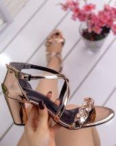 Yonne Bakır Rugan Topuklu Ayakkabı