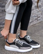 Karena Siyah Cilt Platin Detaylı Spor Ayakkabı