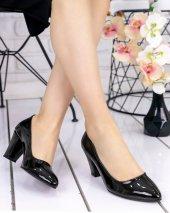 Alvis Siyah Rugan Topuklu Ayakkabı
