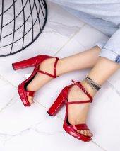 Kaley Kırmızı Rugan Topuklu Ayakkabı