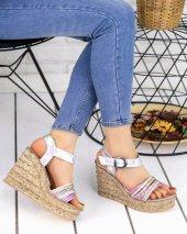 Adayn Gümüş Rugan Dolgu Topuk Sandalet