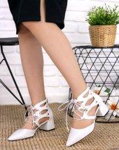 Lilla Beyaz Cilt Topuklu Ayakkabı