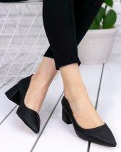 Nisa Siyah Cilt Topuklu Ayakkabı