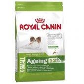 12 Yaşından Büyük Yaşlı Köpeklere Royal Canin...