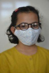 Mavi Kalpli Beyaz Çocuk Maskesi