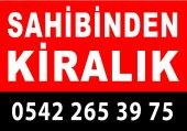 Kırmızı-Siyah Kiralık-Satılık Afişi