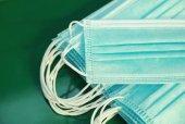 200 Adet 3 Katlı Medikal Lastikli Cerrahi Yüz Maskesi Burun Telli Yeşil Renk