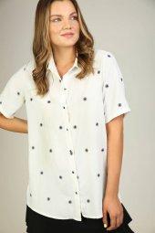 Sürmeli Triko Ghada Bayan Çiçek Nakışlı Gömlek Bluz 17131