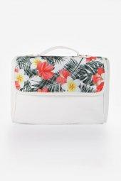 Beyaz Çiçek Kapaklı Çapraz Çanta