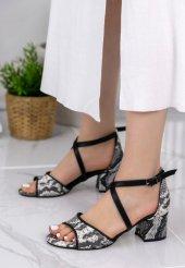 Sherry Siyah Cilt Yılan Detaylı Topuklu Ayakkabı