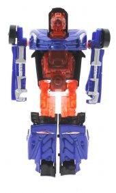 Robota Dönüşen Mavi Metal Araba