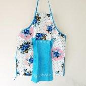 Mavi El Bezli Çiçek Desen Mutfak Önlüğü