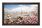 Pembe Çiçekler Ve Paris Tablosu