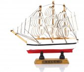 Yelkenli Ahşap Gemi Kırmızı (F)