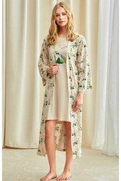 1751 Çiçek Desenli Uzun Sabahlıklı Pijama Takımı
