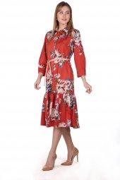 Markapia Çiçek Desenli Kadife Kemer Elbise