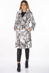 Desenli Uzun Siyah-Beyaz Kadın Trençkot
