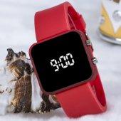 Yeni Sezon Kırmızı Silikon Kordonlu Led Dijital Kadın Yetişkin Kız Kol Saati ST-303747