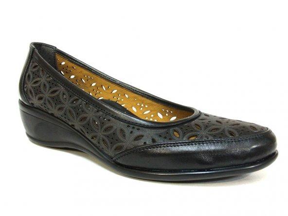Truva Siyah Deri Dolgu Topuk Bayan Ayakkabı
