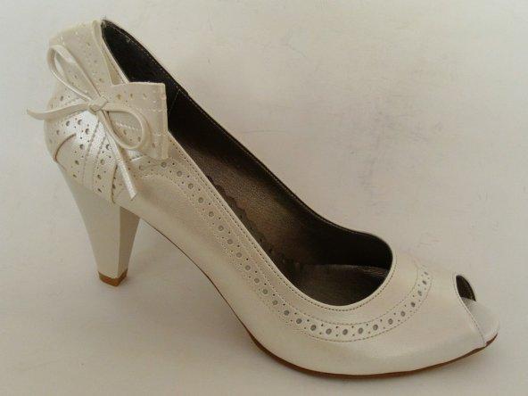 Punto Bej-Kırık Beyaz Topuklu Bayan Ayakkabı