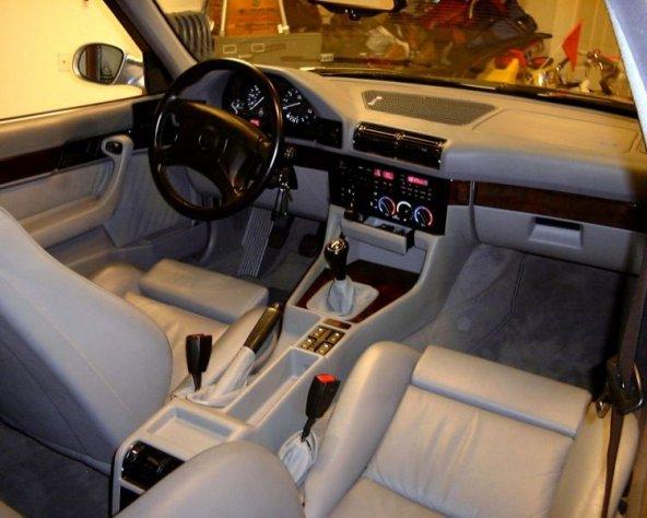 BMW E34 1988-1995  22 PARÇA TORPİDO KAPLAMASI MAUN