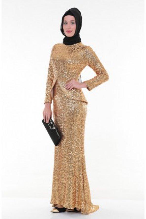 3b34cec2ad049 Nidya Moda Tesettür Peplumlu Pullu Payet Gold Balık Abiye Elbise-4047D