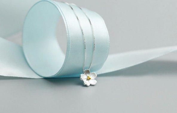 Frilly Gümüş Kiraz Çiçeği Kolye (FKK194103)
