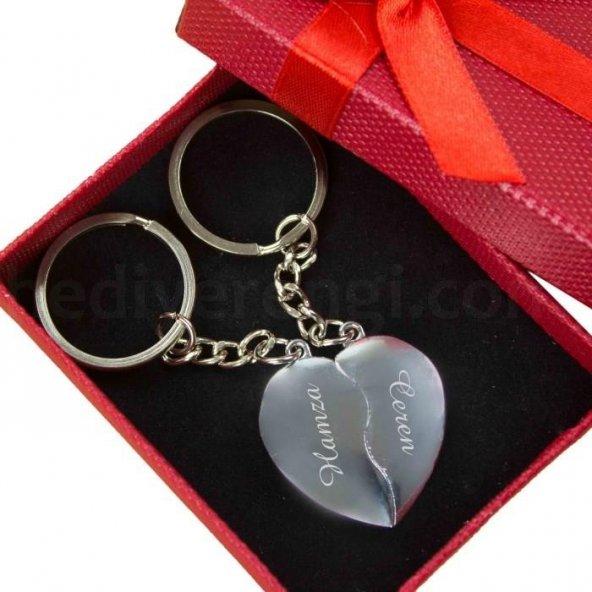 Sevgiliye Hediye İsme Özel Kırık Kalp Metal 2li Anahtarlık