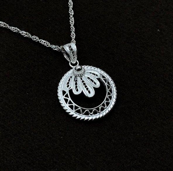 Yapraklı Halka Model Gümüş Bayan Telkari Kolye