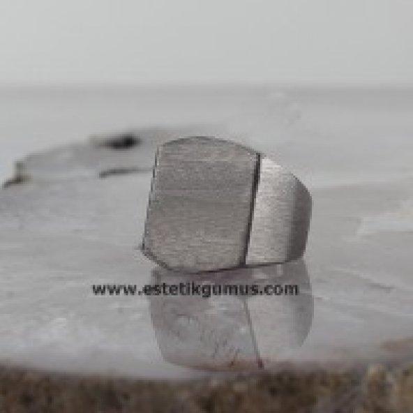 Eskitme Model İsim Yazılı Gümüş Yüzük